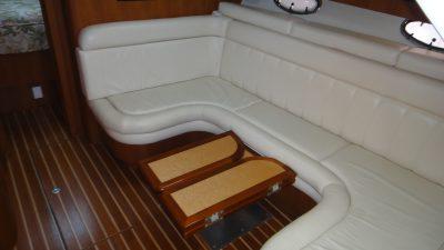 Dinette-and-Pullman-berth.jpg